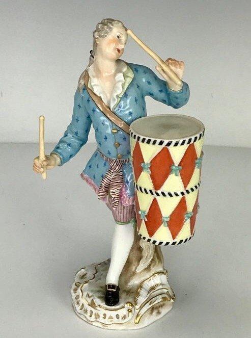 19TH C. MEISSEN MUSICIAN