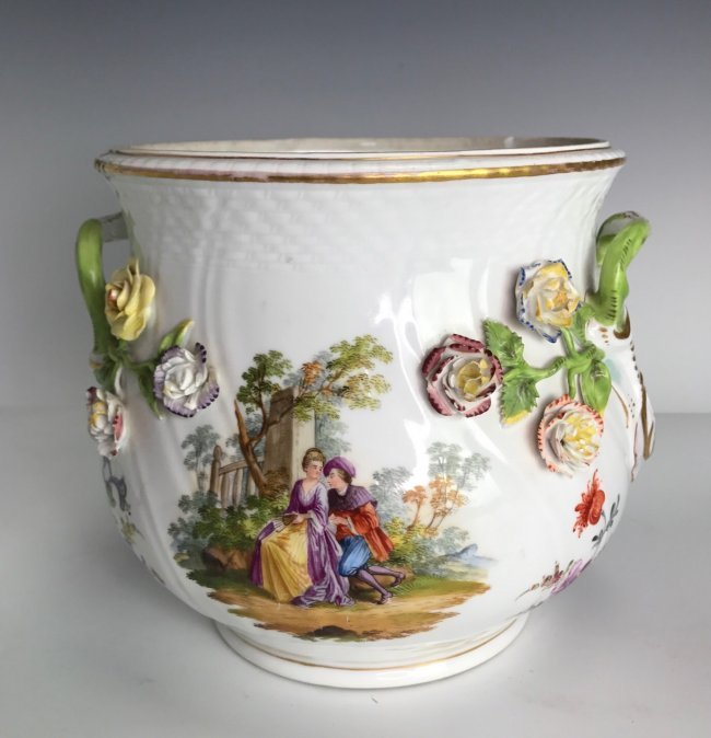 19TH C. MEISSEN STYLE FLOWER ENCRUSTED JARDENIER