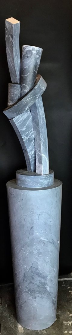 A MID CENTURY ABSTRACT MARBLE SCULPTURE