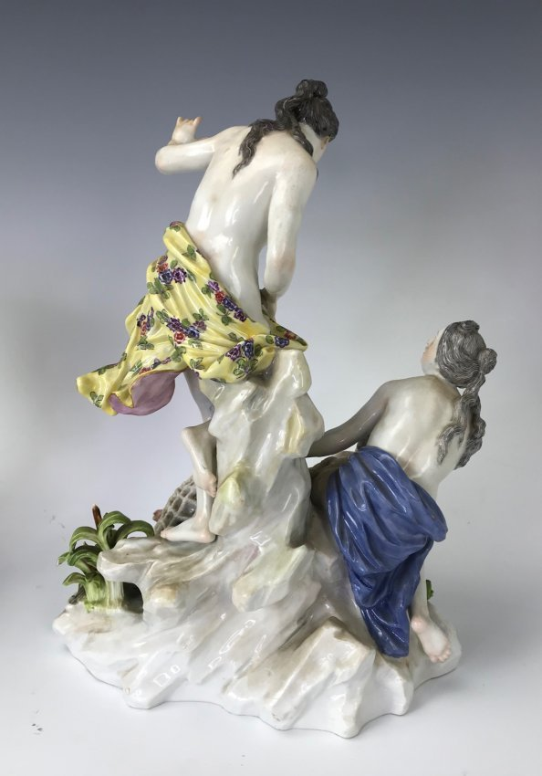 A LARGE MEISSEN GROUP - 3