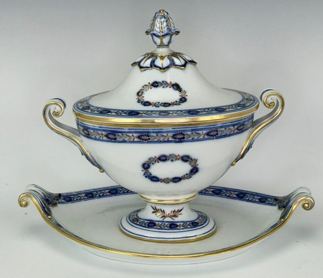 A LARGE 19TH C. MEISSEN TUREEN
