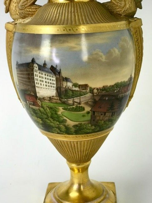 A VERY FINE TOPOGRAPHICAL MEISSEN VASE CIRCA 1820 - 3