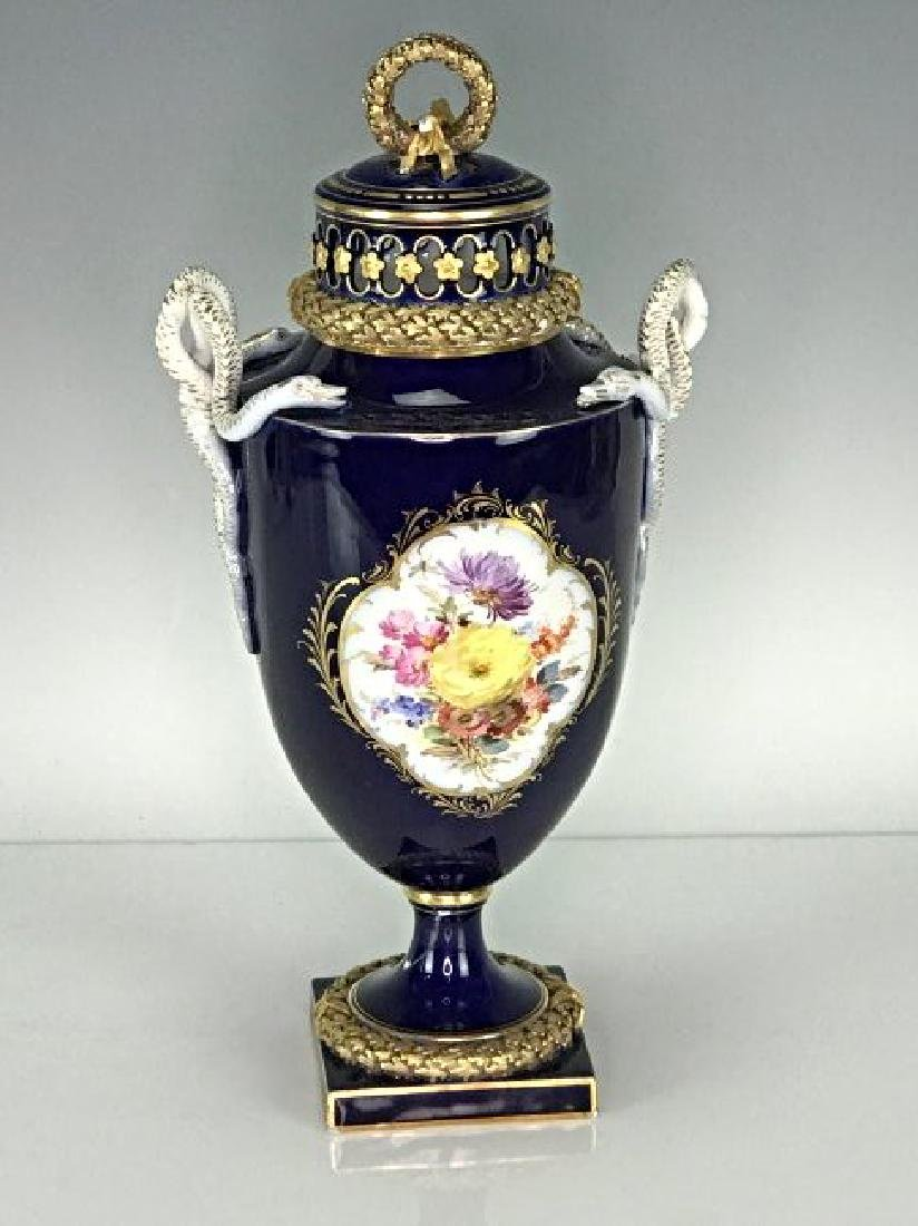 19TH C. MEISSEN VASE AND COVER - 2
