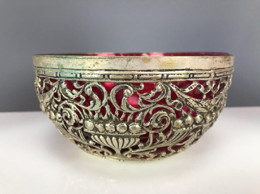 PAIR OF SILVER FINGER BOWLS AND UNDER PLATES - 2