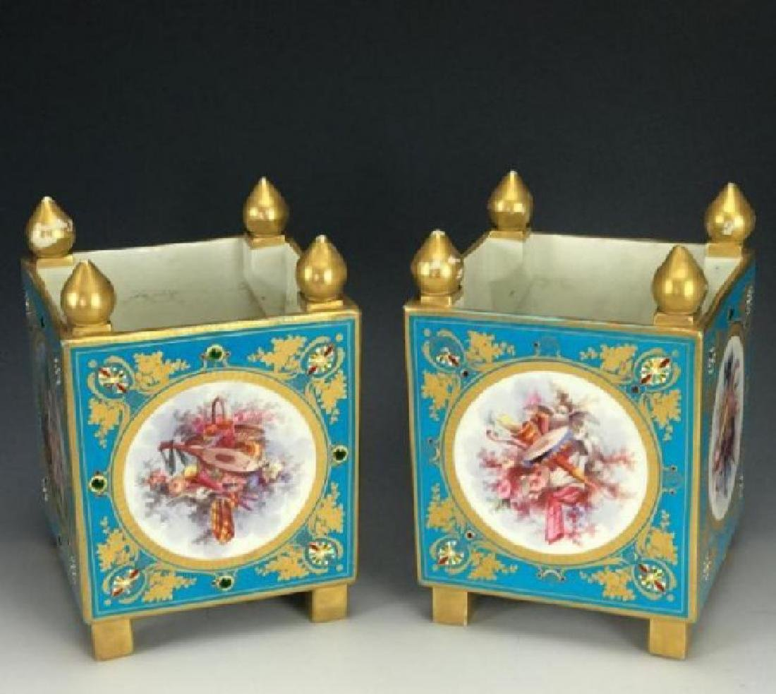 A SUPERB PAIR OF JEWELED SEVRES PORCELAIN CACHEPOTS - 3