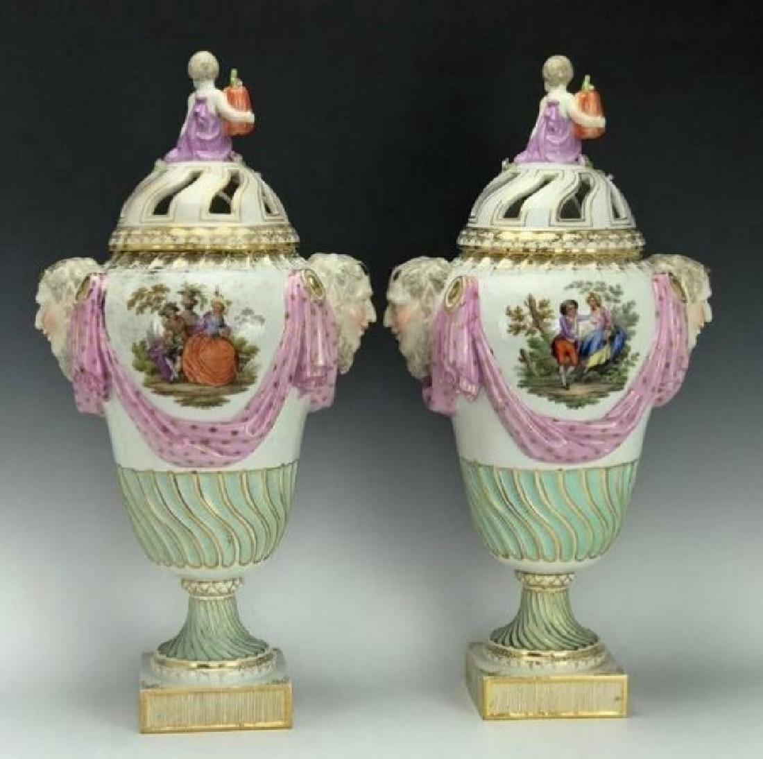 A LARGE PAIR OF 19TH C. ROYAL VIENNA VASES AND COVERS - 3