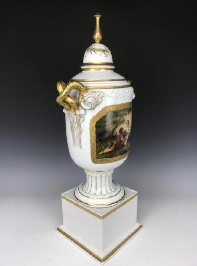 A LARGE 19TH C. GERMAN PORCELAIN VASE AND COVER - 2