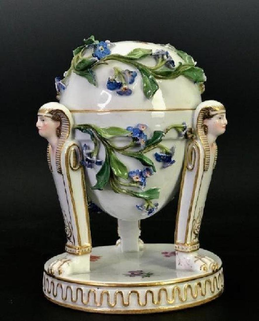 19TH C. MEISSEN FORGET ME NOT FLOWER ENCRUSTED EGG