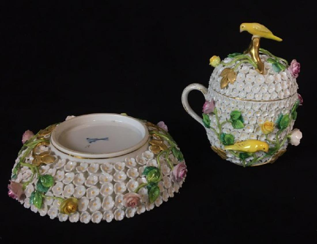 19TH CENTURY MEISSEN SNOWBALL CUP AND SAUCER - 2