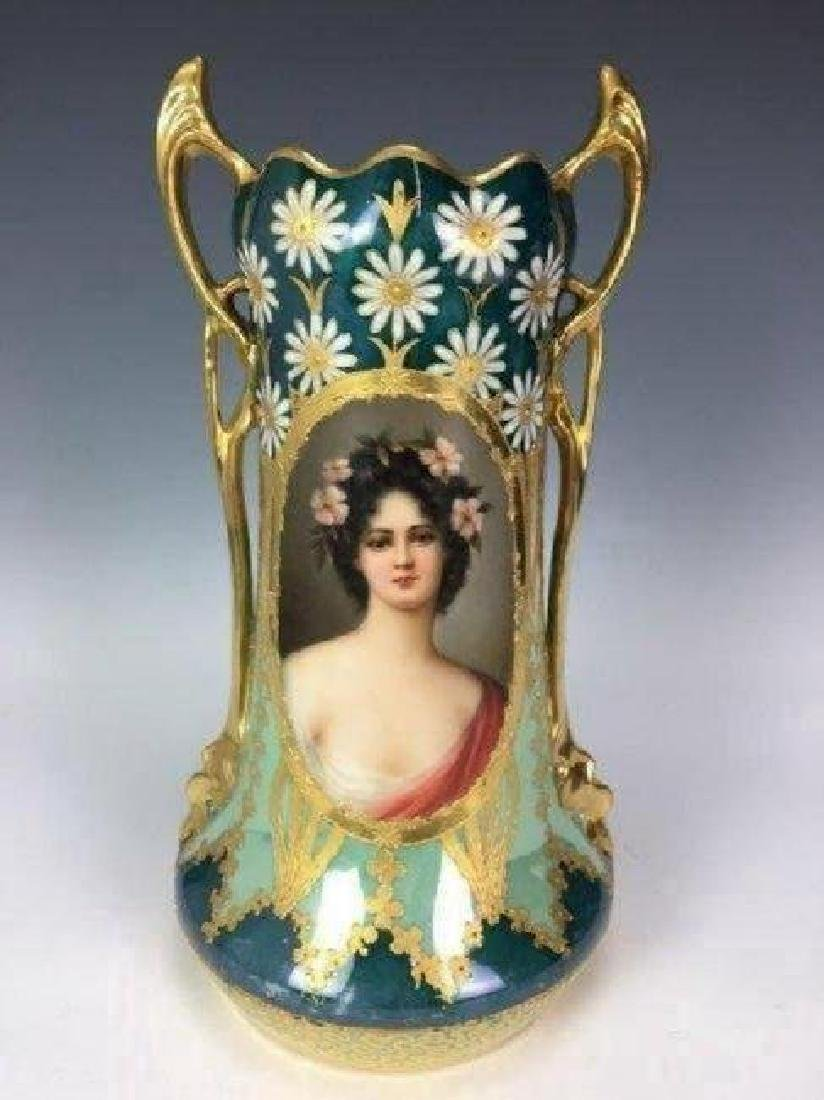 A LARGE ROYAL VIENNA PORTRAIT VASE