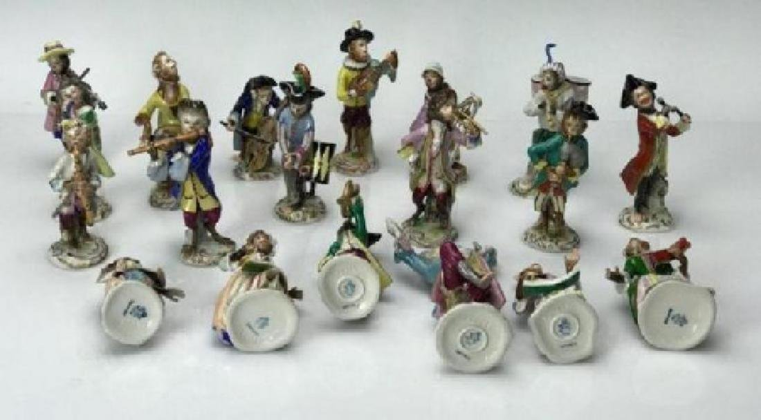 DRESDEN PORCELAIN MONKEY BAND 19 PEICES - 3