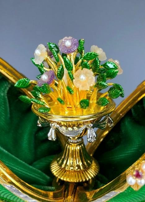 A HOUSE OF FABERGE MUSICAL STERLING GEMSET EGG - 6