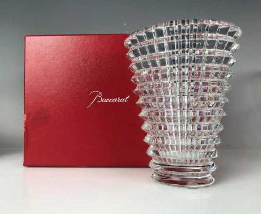 A SIGNED BACCARAT EYE VASE WITH ORIGINAL BOX