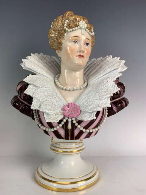A LARGE 19TH C. MEISSEN BUST