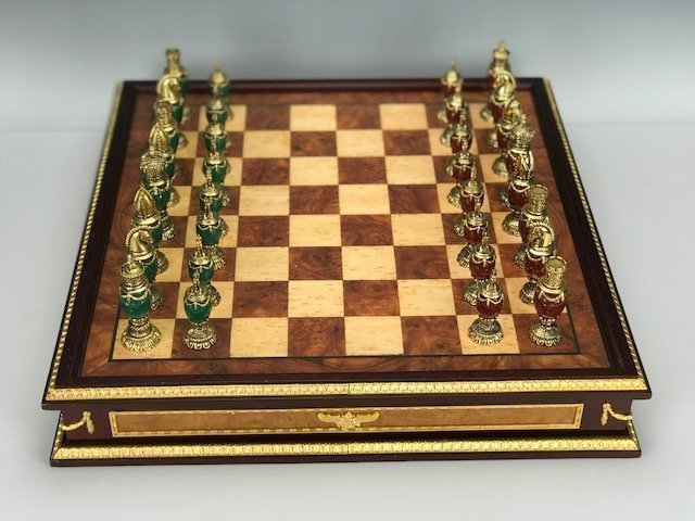 IMPERIAL FABERGE JEWELED CHESS SET - 3