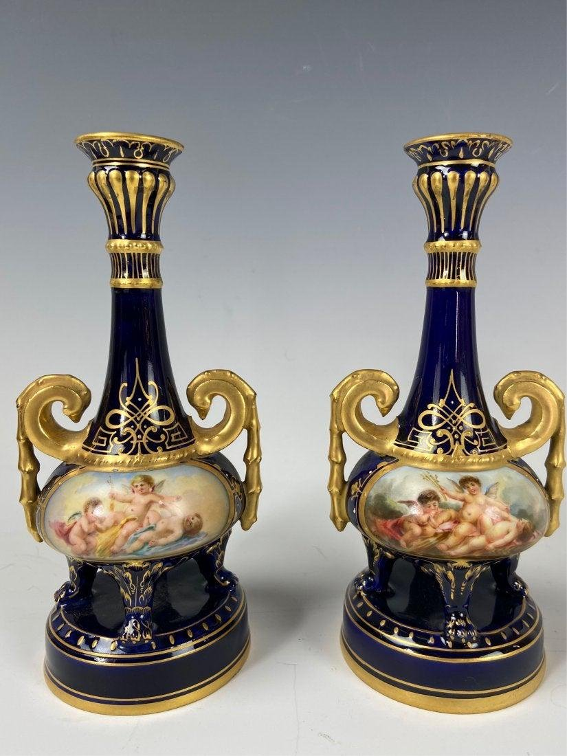 A PAIR OF ROYAL VIENNA VASES