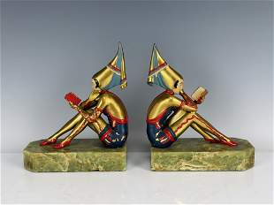A PAIR OF DECO STYLE COLD PAINTED BOOKEND