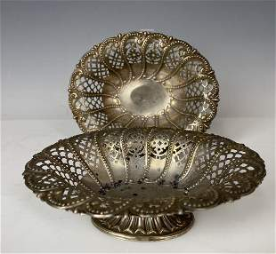 A PAIR OF VICTORIAN RETICULATED STERLING SILVER BOWLS