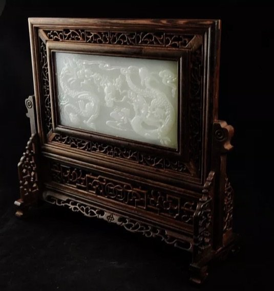CHINESE WHITE JADE AND CARVED WOOD SCREEN