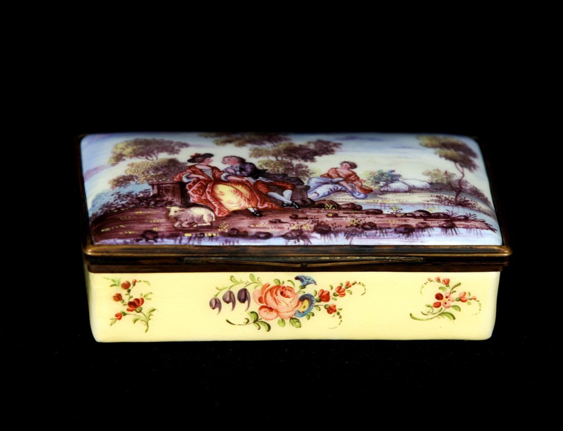 FRENCH PORCELAIN BOX - 2