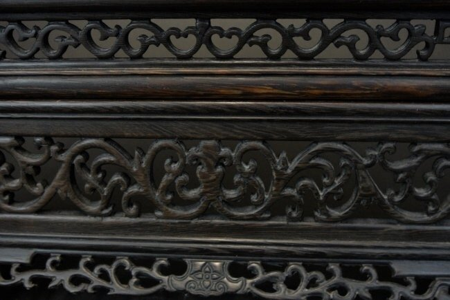 CHINESE WHITE JADE AND CARVED WOOD TABLE SCREEN. - 4