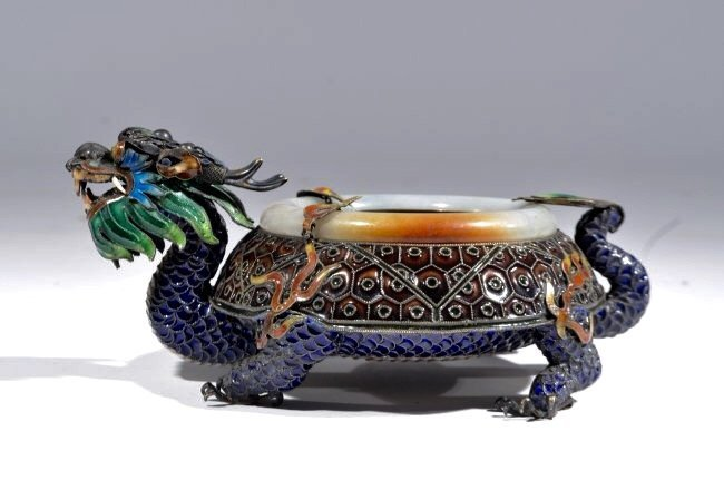 CHINESE SILVER AND ENAMEL ASHTRY WITH JADE