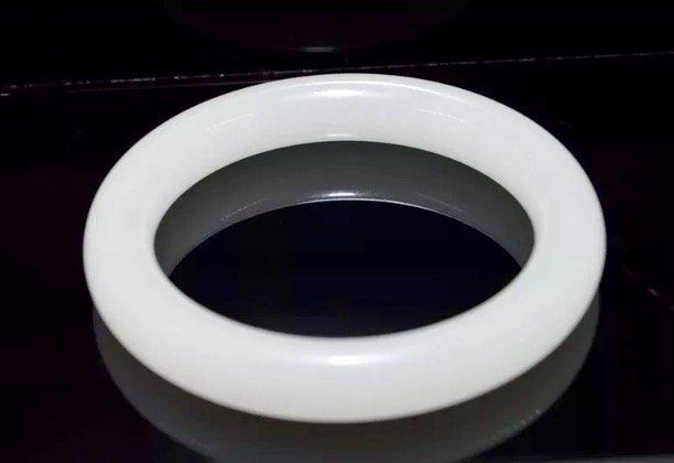 CHINESE TRANSLUCENT WHITE JADE BRACELET