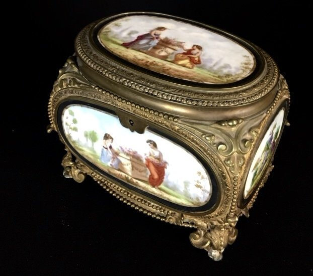 19TH C. FRENCH DORE BRONZE AND PORCELAIN BOX - 2