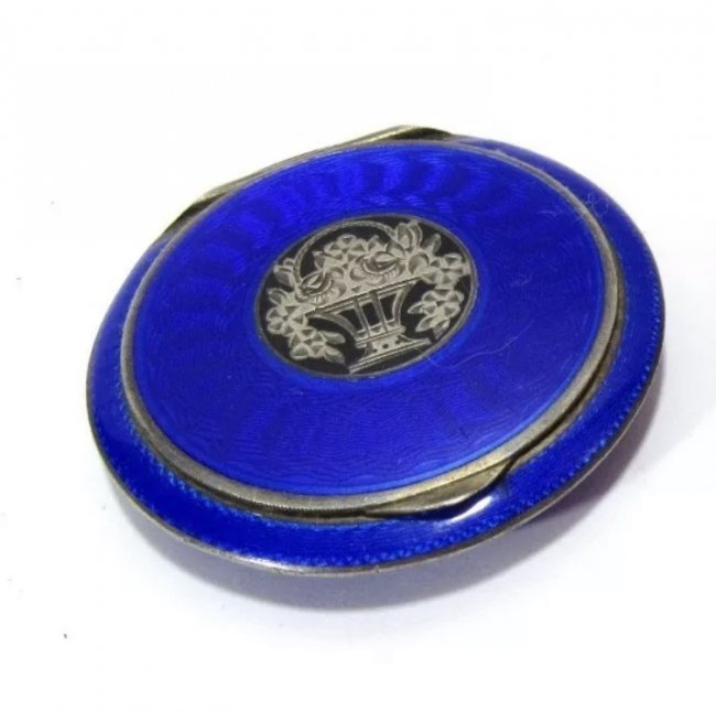 ANTIQUE CONTINENTAL SILVER AND ENAMEL COMPACT