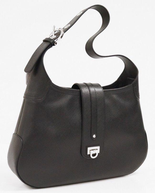 FERRAGAMO BLACK LEATHER HAND BAG