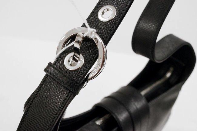 FERRAGAMO BLACK LEATHER HAND BAG - 3