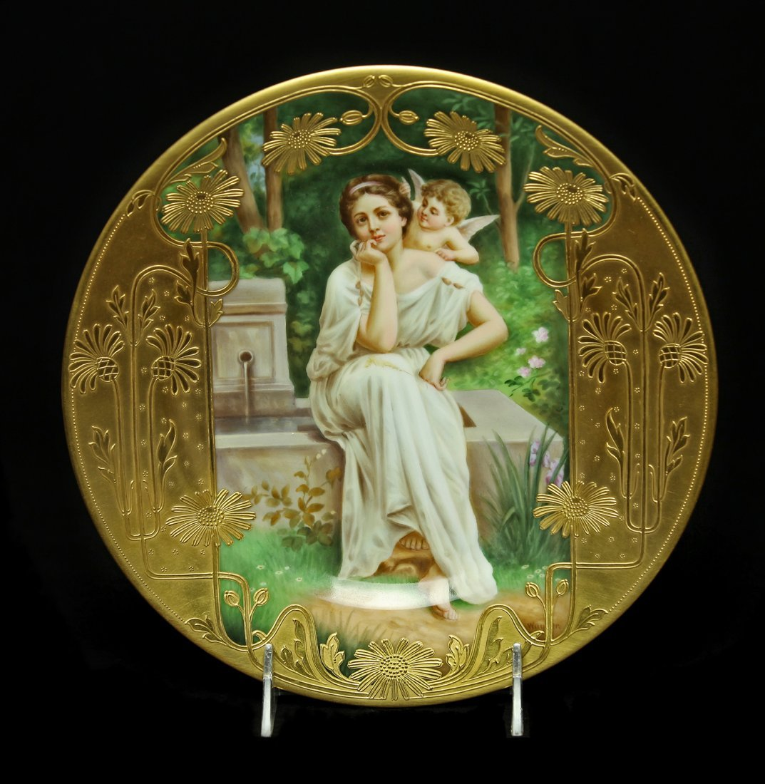 A MAGNIFICENT ROYAL VIENNA PLATE SIGNED WAGNER