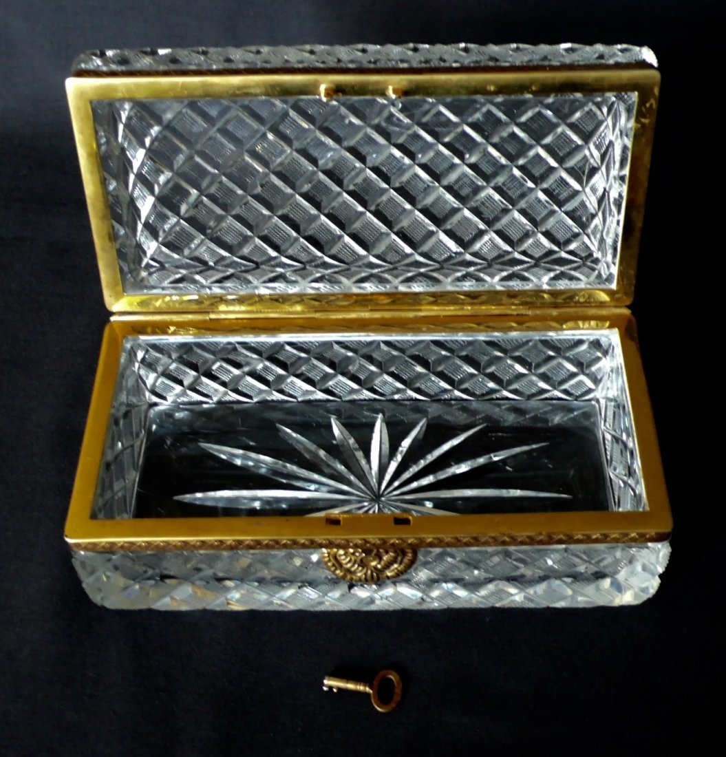 A DORE BRONZE MOUNTED BACCARAT CRYSTAL BOX - 3