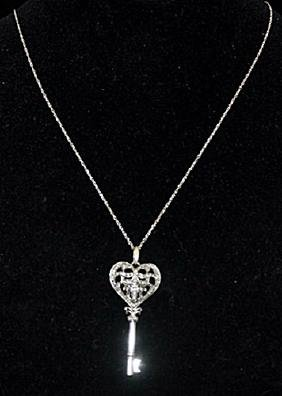 Gorgeous Silver Heart-Cross-Key Shape Necklace with