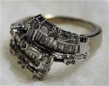 Lady's 14K Whitegold Diamond Ring