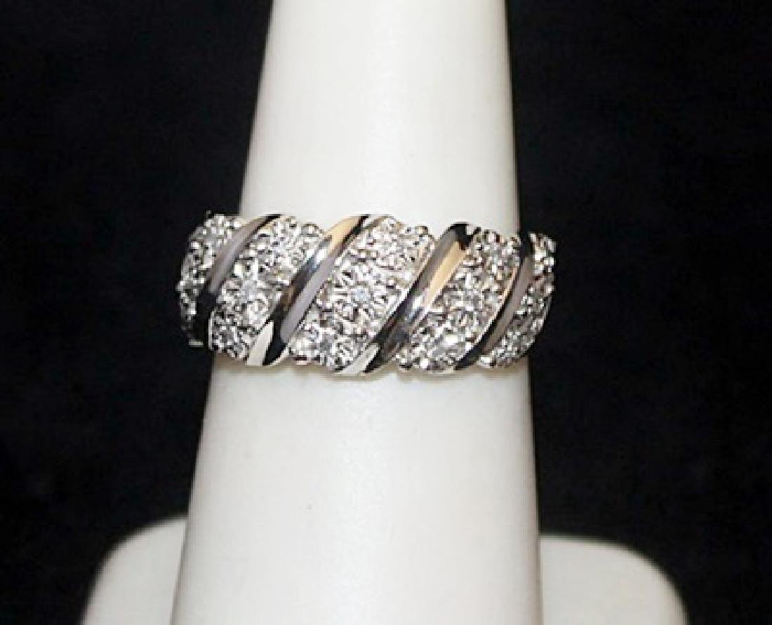 Gorgeous Silver Ring with Diamonds (73I)