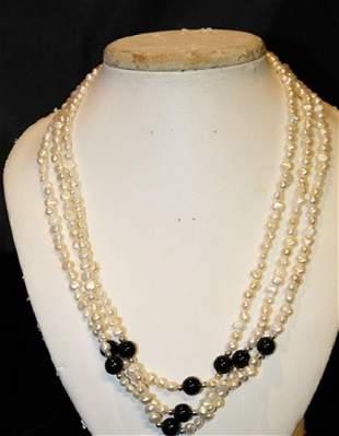 Baroque IvoryBlack Color Pearl Necklace