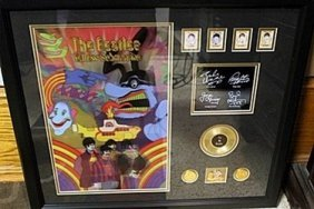 Holographic Picture With Gold Record The Beatles
