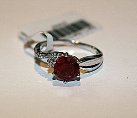 Stunning Womens Ruby & Diamond Ring