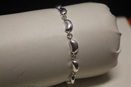 Gorgeous Chic Silver Bracelet (62B)