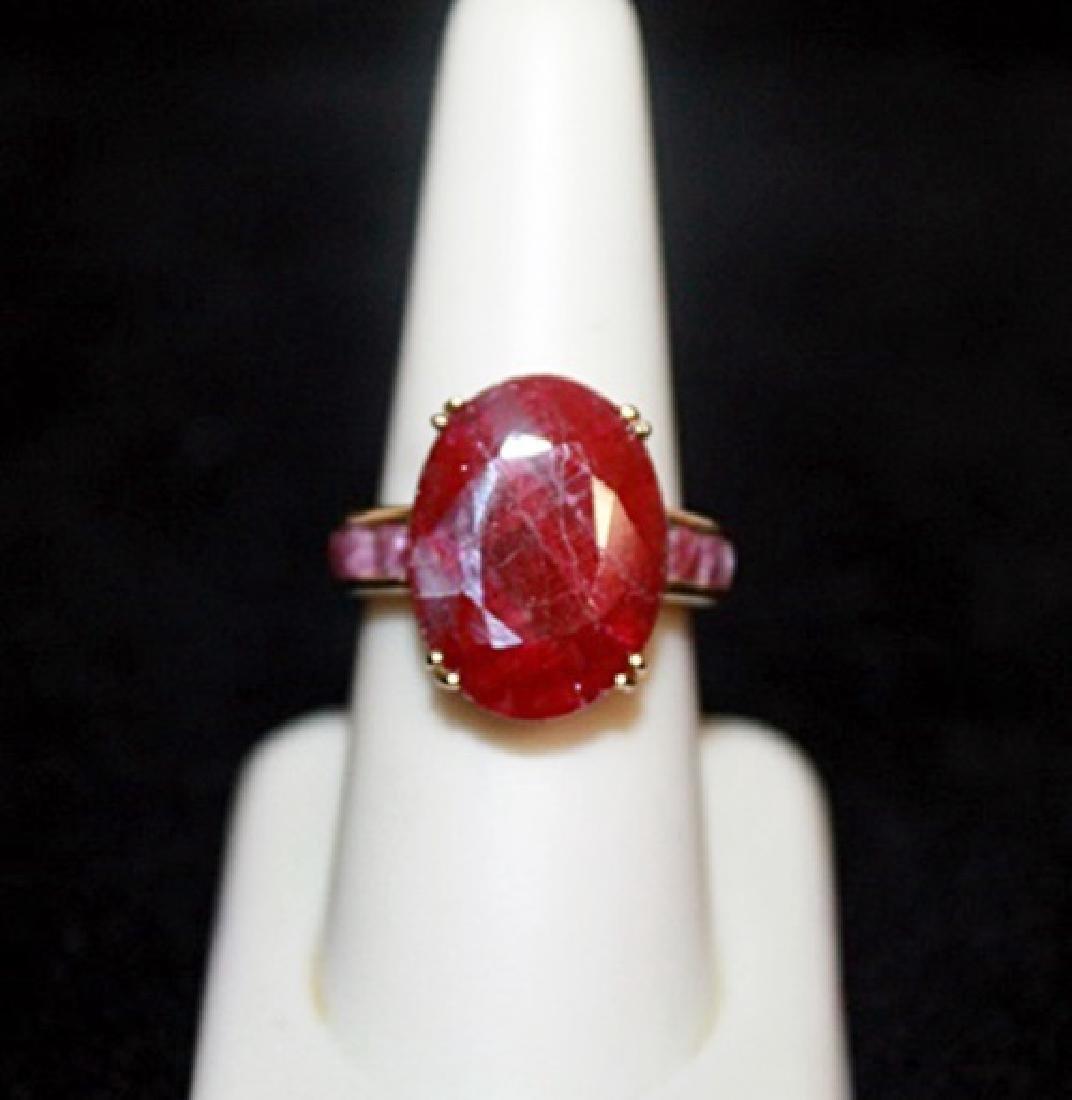Unisex Pigeon Blood Rubies Gold Ring.