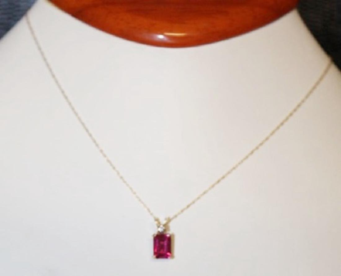 Beautiful Lab Pink Sapphire 10kts Gold Necklace.