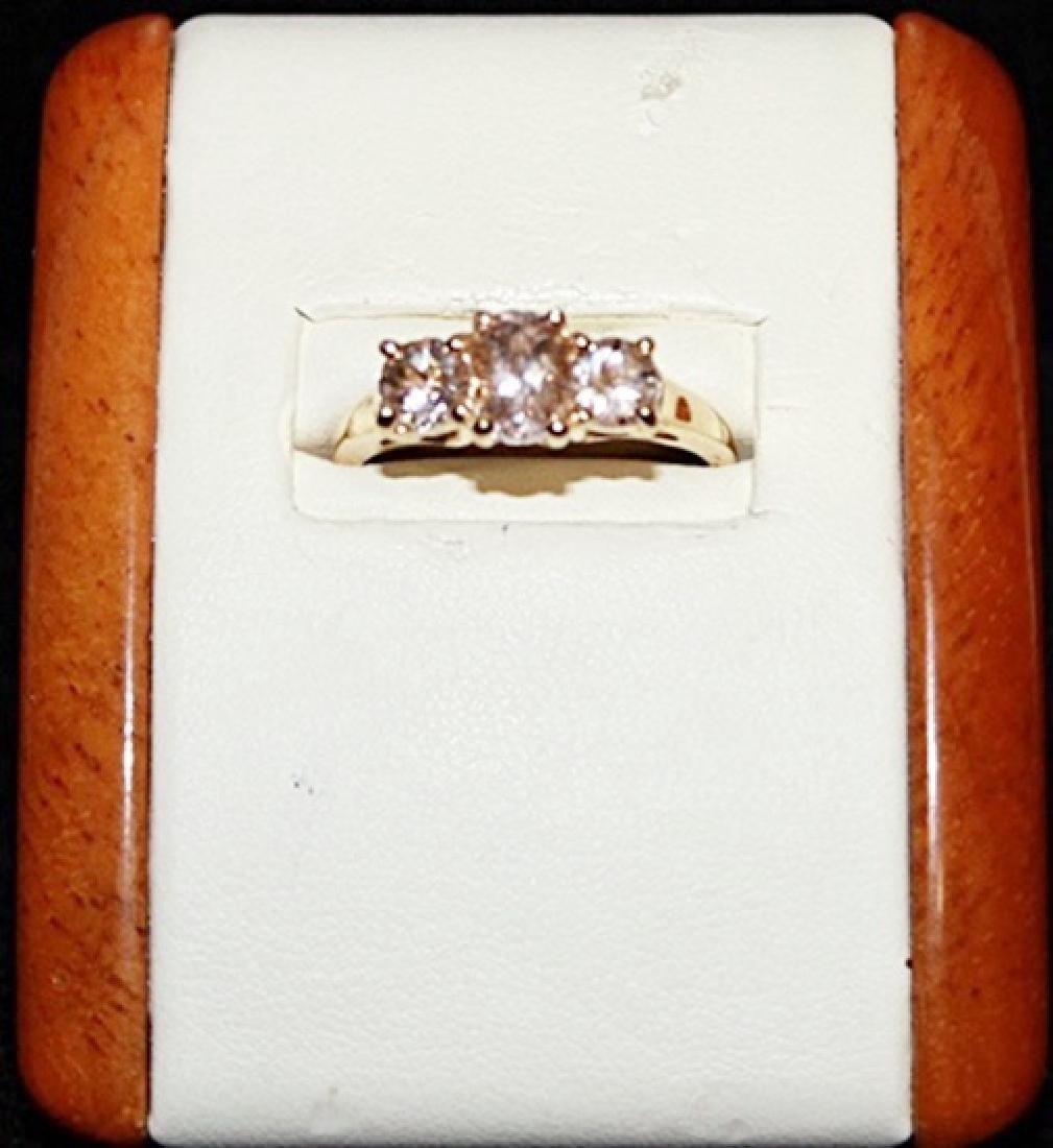Beautiful White Cerison Gold Ring.