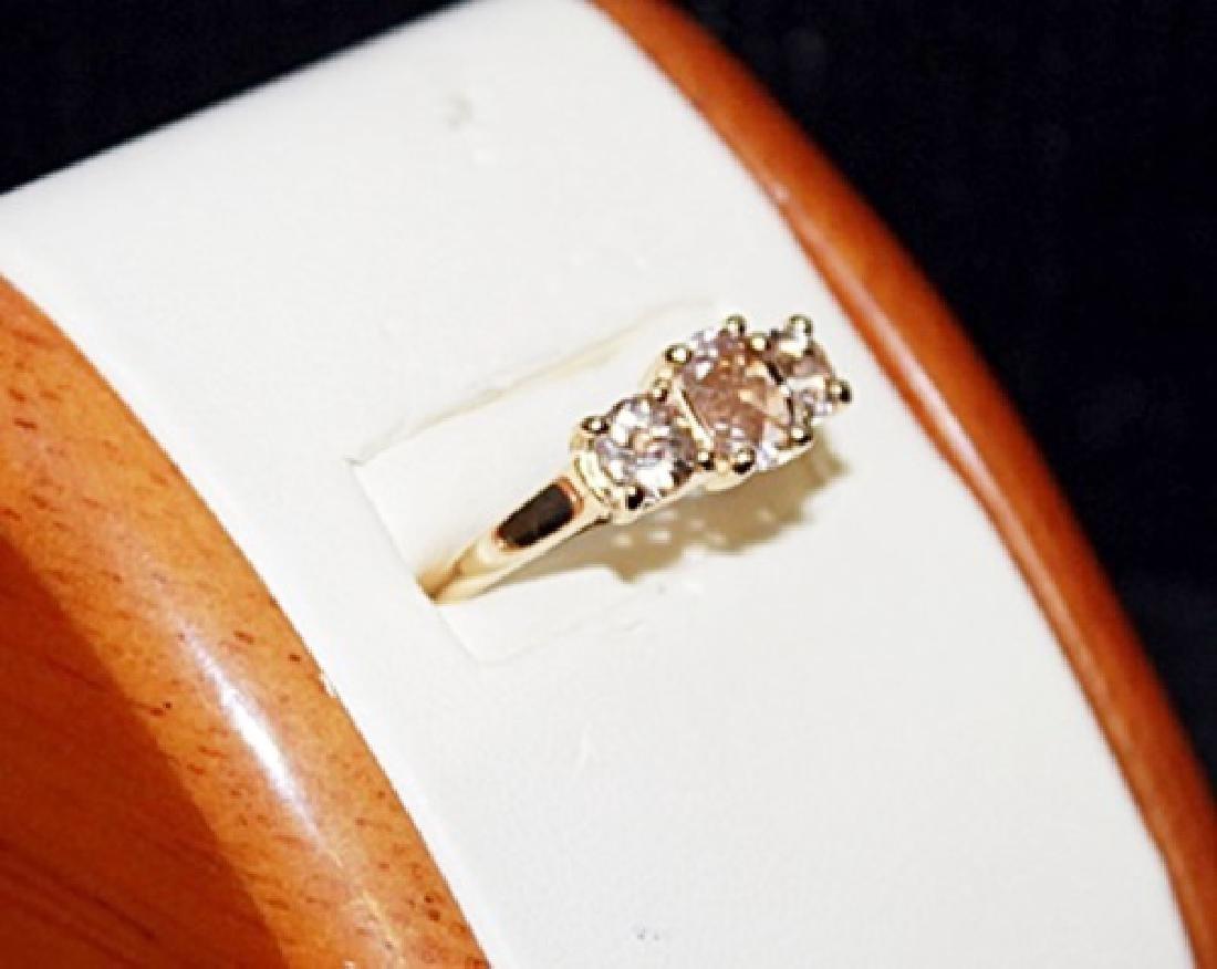 Beautiful White Cerison Gold Ring. - 2