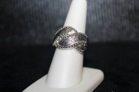 Lady's Fancy Diamond Ring. 299j