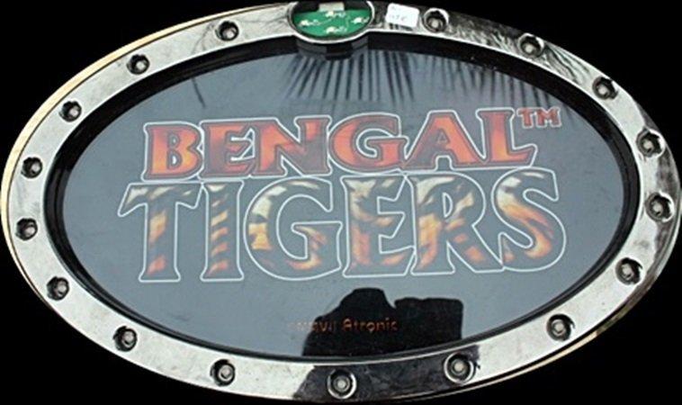 "Vintage ""Bengal Tigers"" Casino Slots Toppers. (N)"