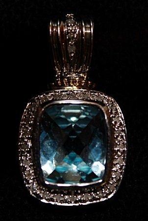 Lady's Beautiful Topaz Pendant.