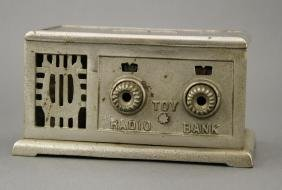 Toy Radio Bank
