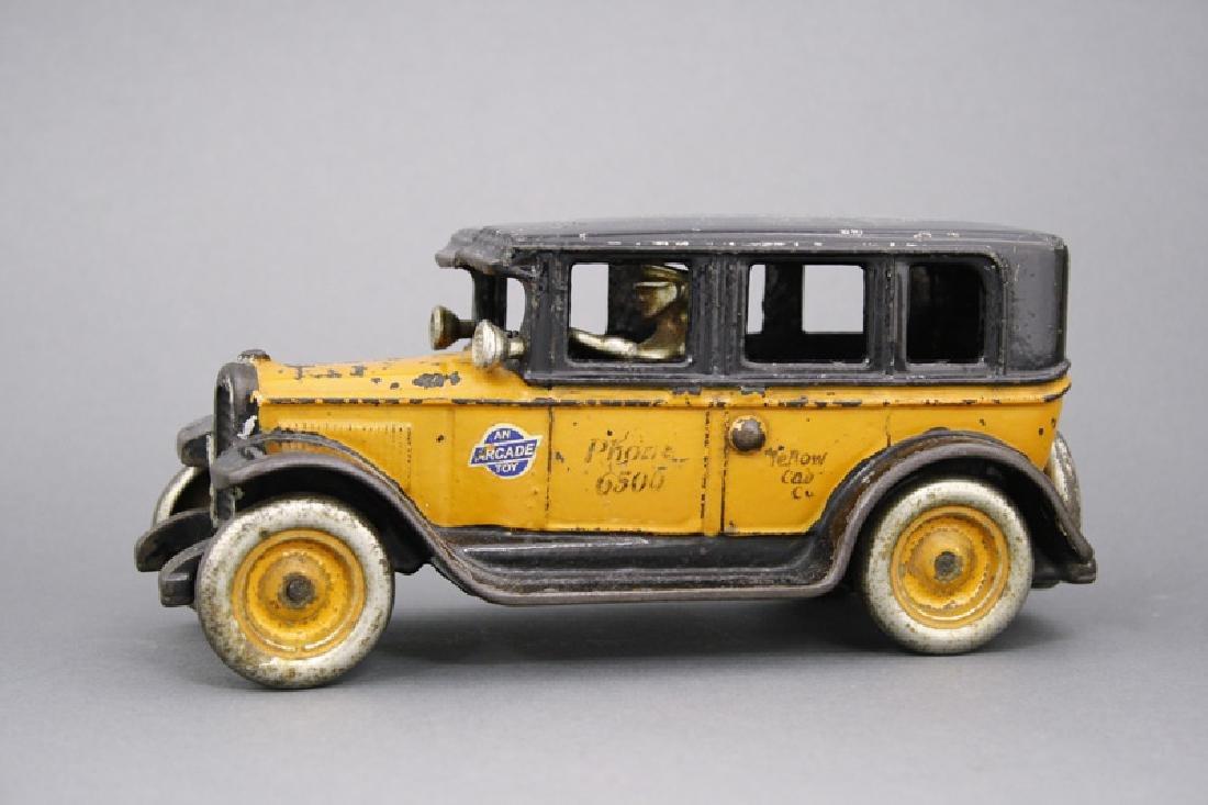 """Buick """"Flat Top"""" Taxi"""