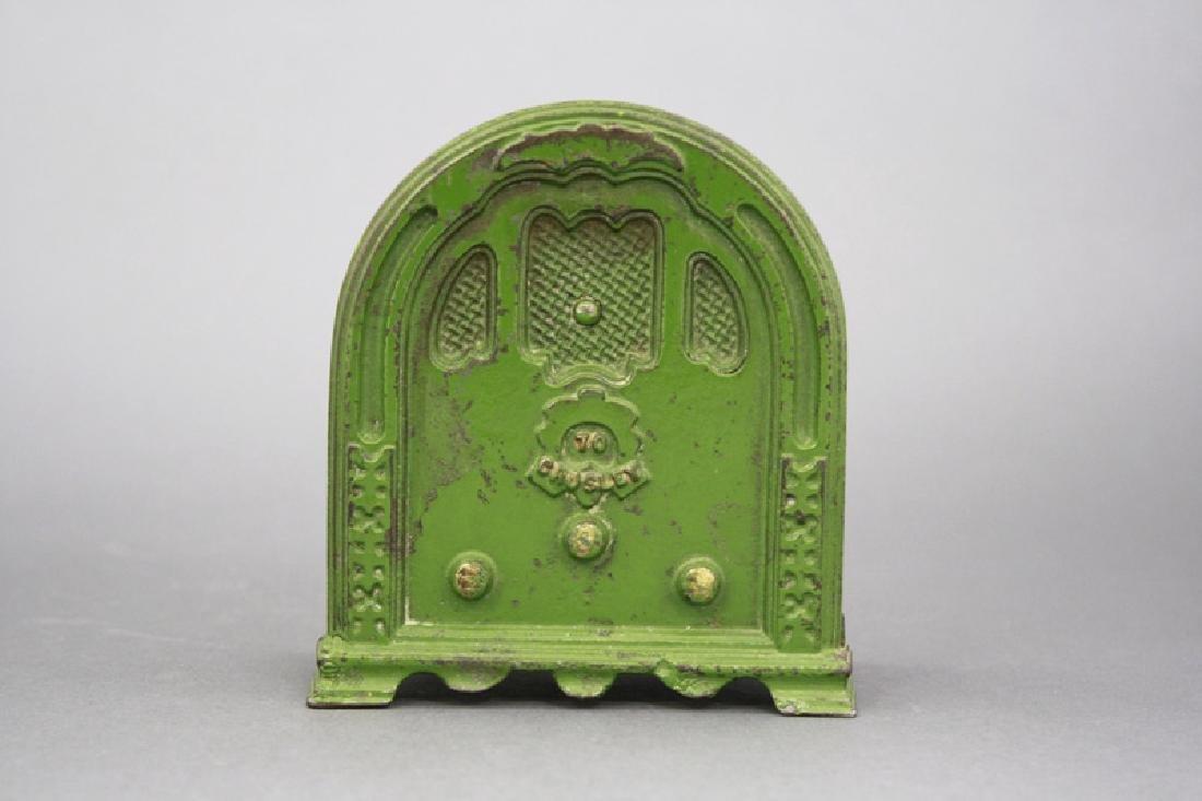 Small Green Crosley Radio